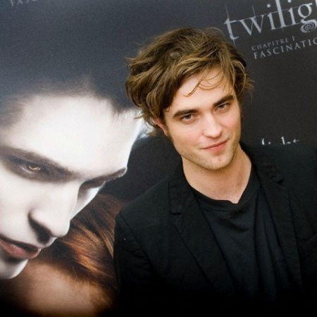 Robert Pattinson  on Robert Pattinson Kimdir  Robert Pattinson Biyografisi   Biyografim Net